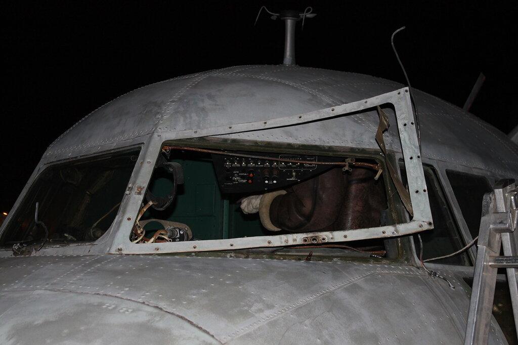демонтаж лобового стекла Ил-14Т