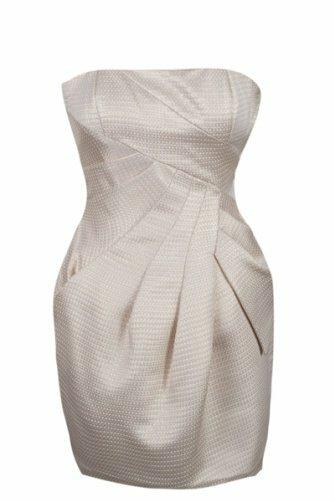 Платья и трикотаж по низким ценам в магазинах Manoukian.