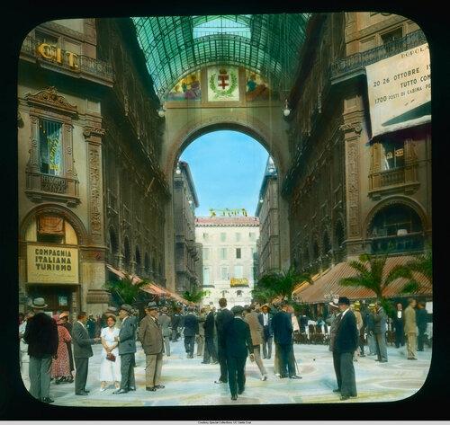 Milan. Galleria Vittorio Emanuele II: interior view