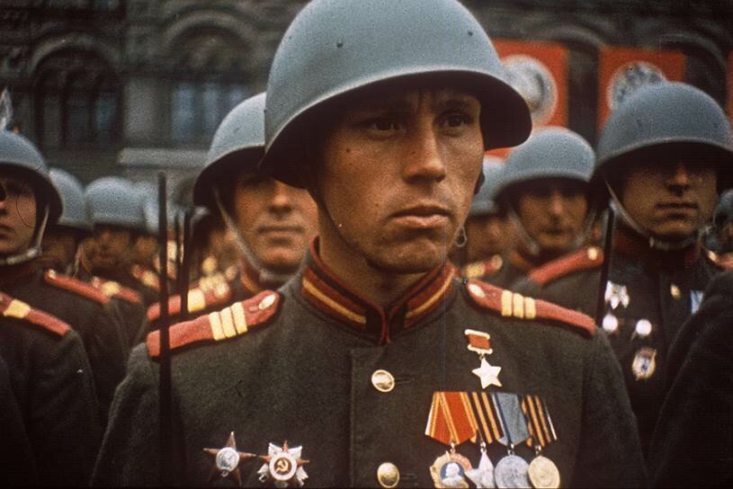 1945 Парад Победы в Москве4а.jpg