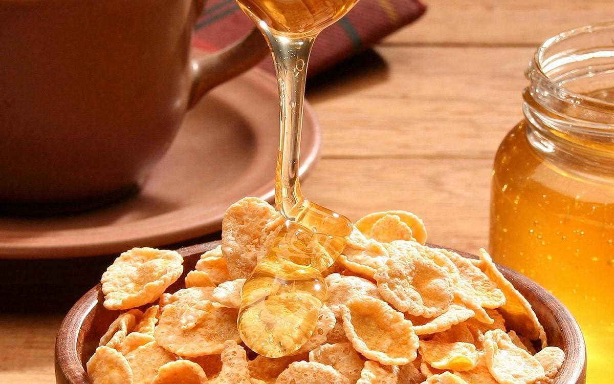 10. Быстрые завтраки Хоть рекламы и твердят о пользе утреннего завтрака из сладких хлопьев для здоро