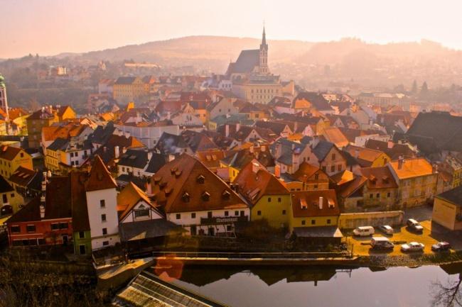 Этот сказочный городок находится в чешской провинции Богемия. Весь город как один огромный средневек