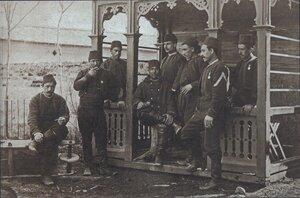 Турецкие офицеры и рядовые (низамы) в плену в Бухаресте, февраль 1878