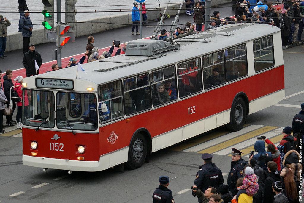 Парад-троллейбусов-09.jpg