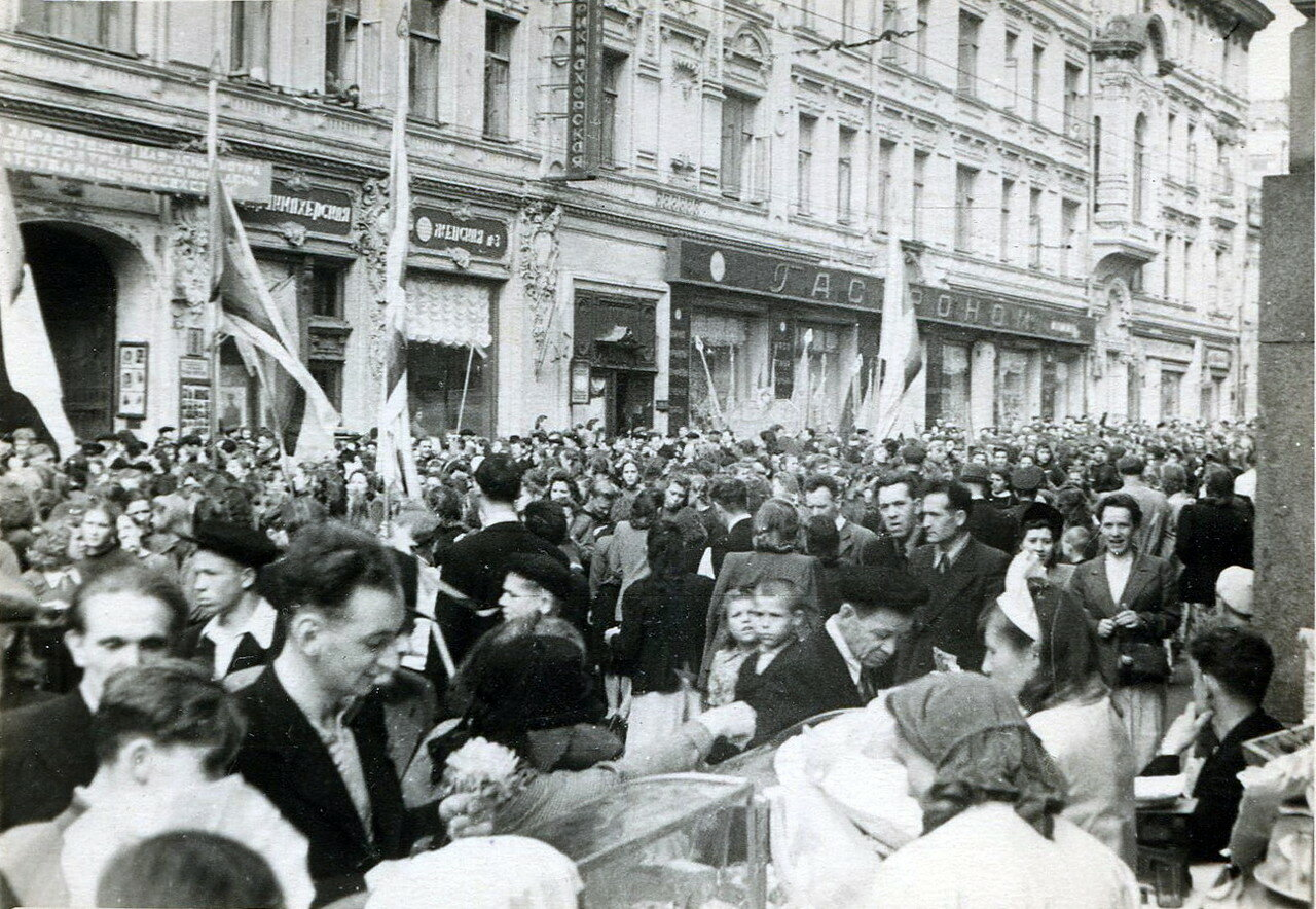 407027 На Петровке 1957.jpg