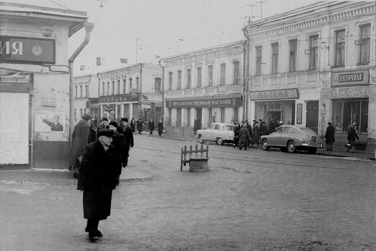 35950 Перекресток Пятницкой ул. и Климентовского переулка 1956.jpg