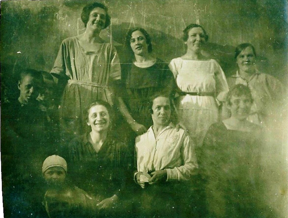 1924. Детдом № 6, Москва, Воспитательницы