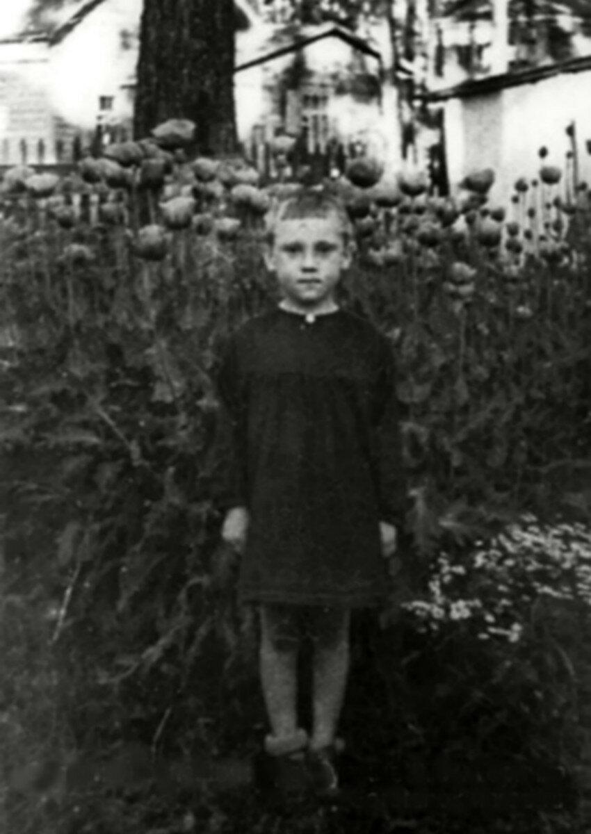 1943. Володя Высоцкий в детском саде фабрики «Свобода» п.Малаховка, Московской области