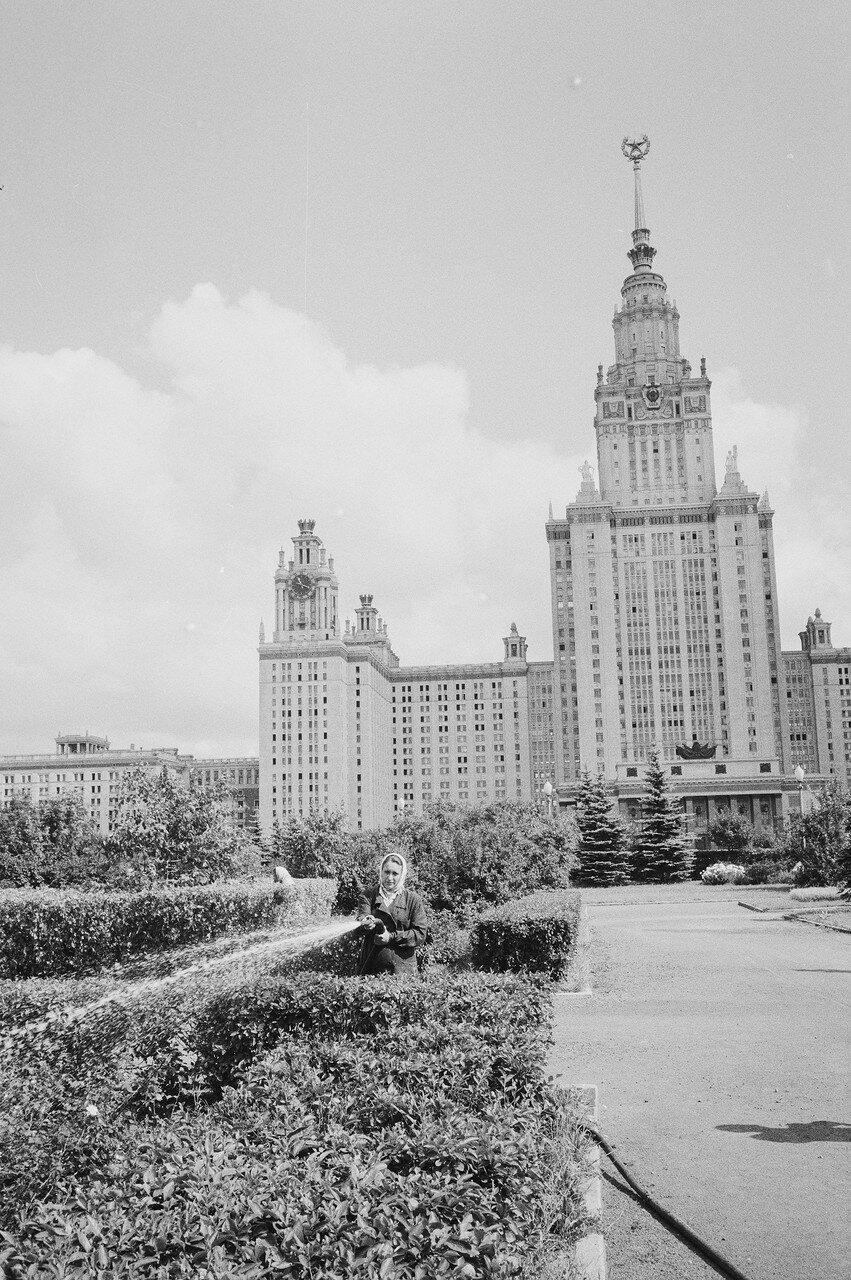 25. Московский университет