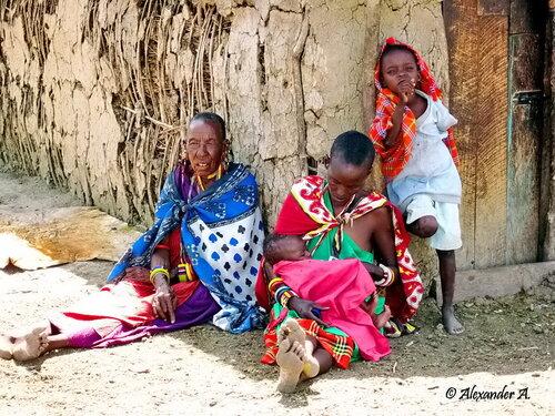 Полдень в масайской деревне