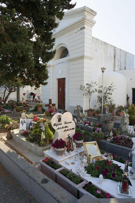 Искья. Кладбище в Сан-Анджело