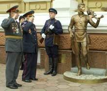 Как в Одессе открывали «памятник Гоцману»