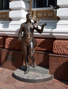 Памятник Давиду Гоцману. Фото ivolka на Яндекс.Фотках