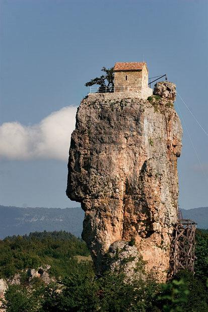 храм на скале