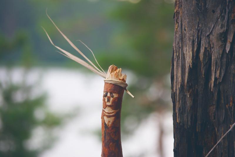 Фигурка из дерева