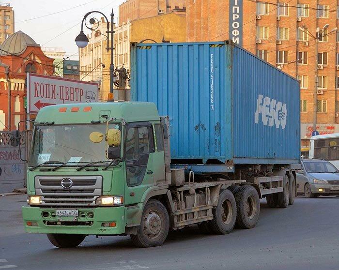 Фура во Владивостоке