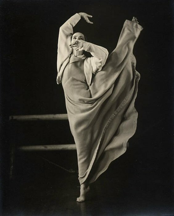 a biography and life work of martha graham an american modern dancer