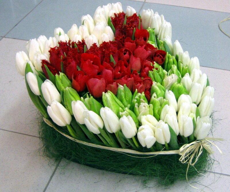 Красивые и необычные букеты цветов фото 11.