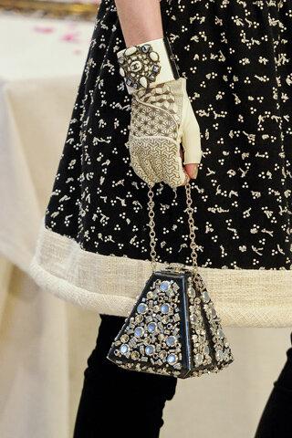 """Коллекция Chanel-2012:  """"Париж-Бомбей """" One of."""