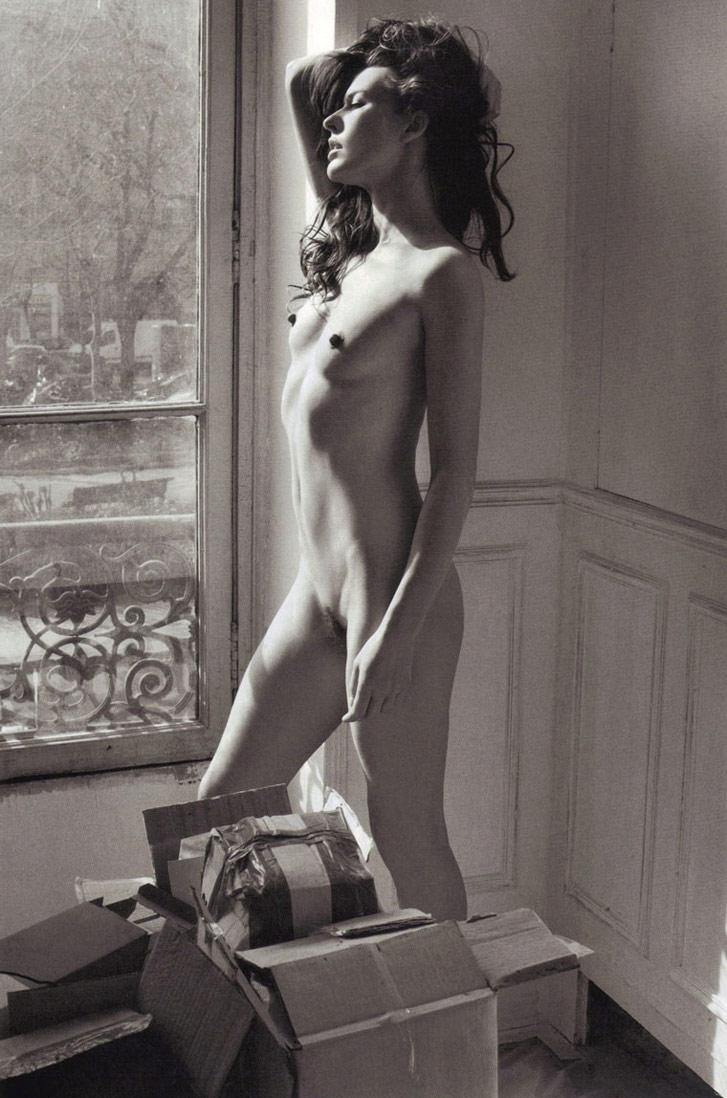 "Обнаженная Милла Йовович / Milla Jovovich ""Nude"" by Mario Sorrenti ..."
