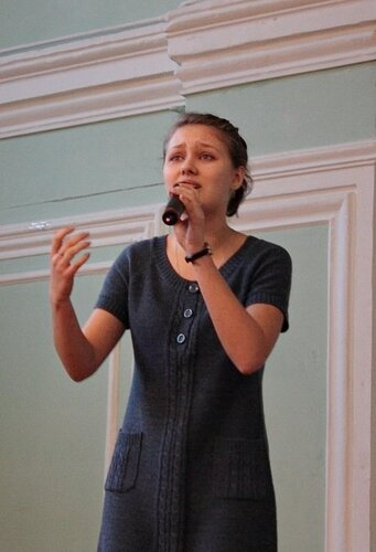"""Ирина Либерман читает отрывок из рассказа """"Два письма""""."""