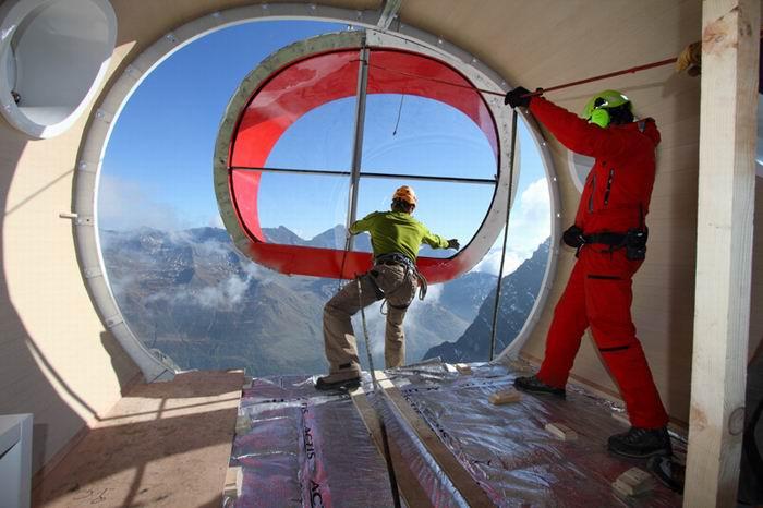 Приют альпинистов, жилой модуль от LEAPfactory