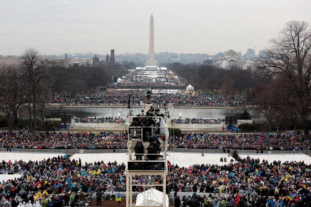 4. Национальный Молл расположен между Капитолием США на востоке, Мемориалом Линкольна на западе