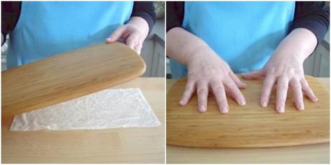 © startcooking  Чтобы доска не«ездила» при резке, просто положите под нее мокрое бумажное пол