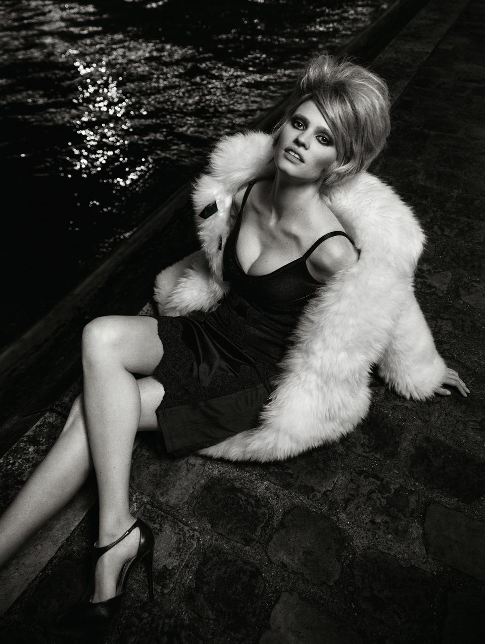 Лара Стоун в журнале Vogue