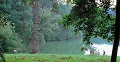 Майорский пруд, один из двух крупнейших среди 12 водоемов Качановки, назван в память о секунд-майоре Михаиле Каченовском, ставшем владельцем усадьбы в 1749 году
