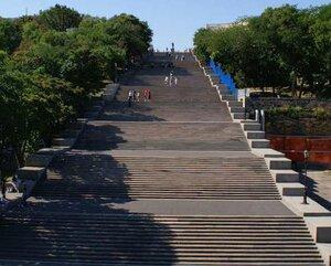 Потемкинская лестница. Снизу вверх