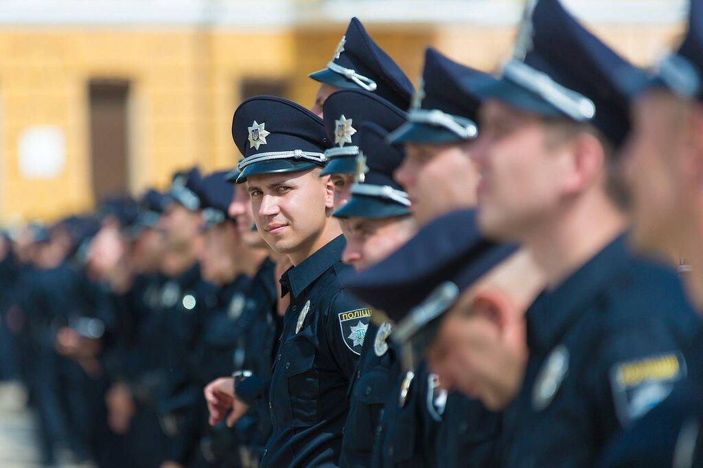 Менты массово увольняются, чтобы вступить в новую полицию thumbnail