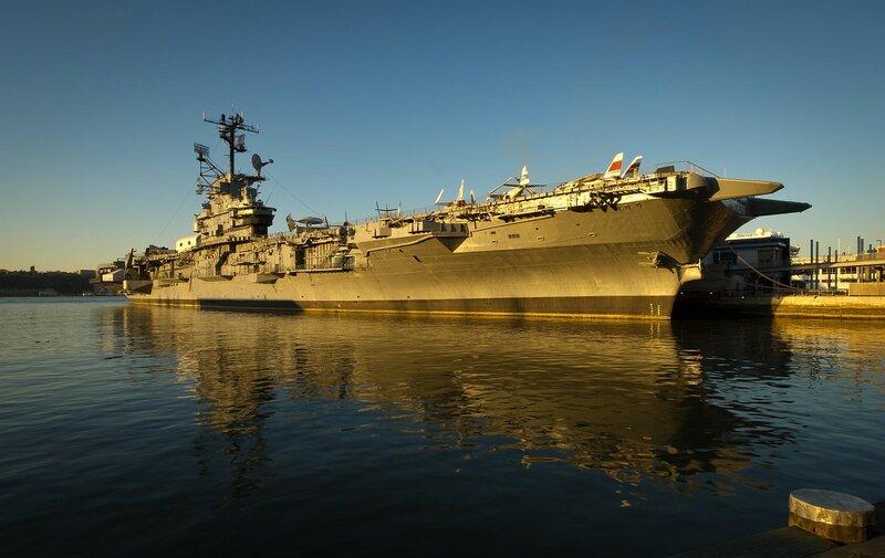 Авианосец USS Intrepid