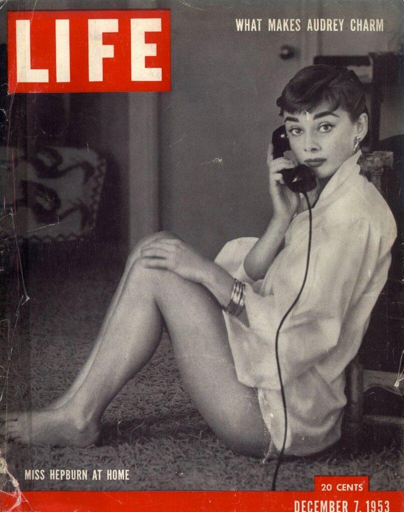 Audrey Hepburn - December 7, 1953 by Mark Shaw / LIFE Magazine