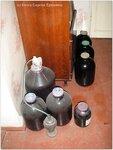 Виноградная мезга сбраживается в бутылях