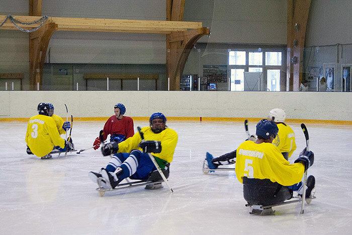 Во Владивостоке появилась команда по следж-хоккею