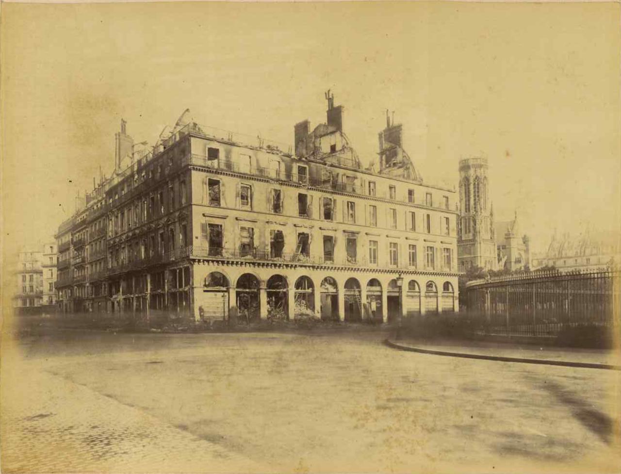 Рю Риволи. Угол площади Сен-Жермен-л'Осеруа
