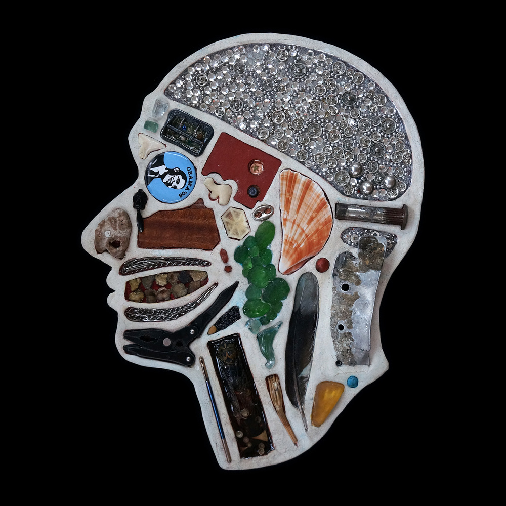 Скульптуры анатомического сечения человеческой головы