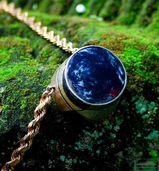 Голубой янтарь Индонезии