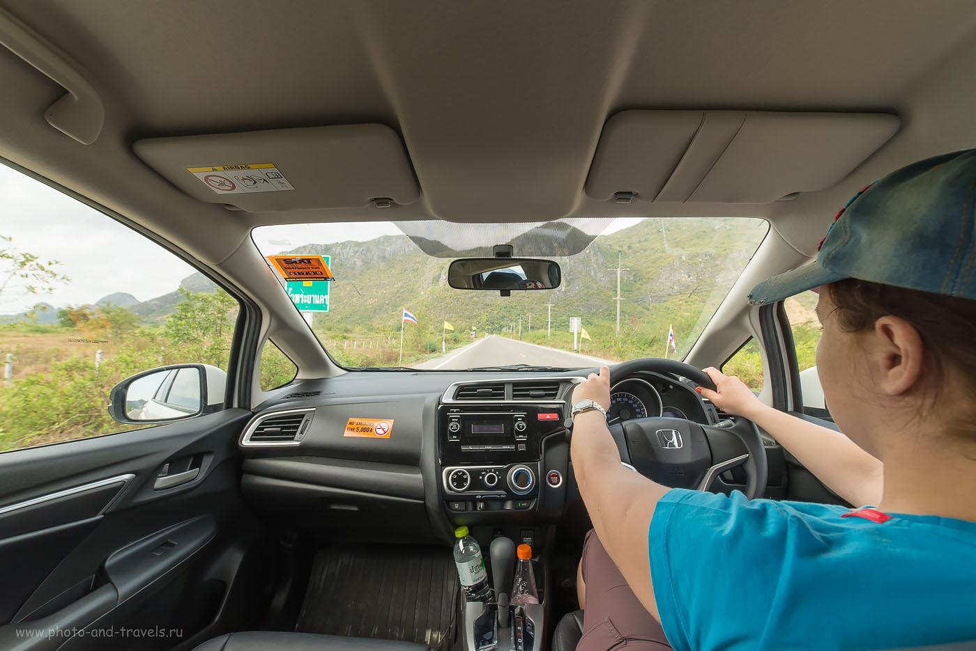 Фото 22. После того, как мы проехали за правым рулем по левосторонним дорогам Шри-Ланки 1200 км, привыкать к левостороннему движению в Таиланде было легко. Тур на машине в феврале - марте