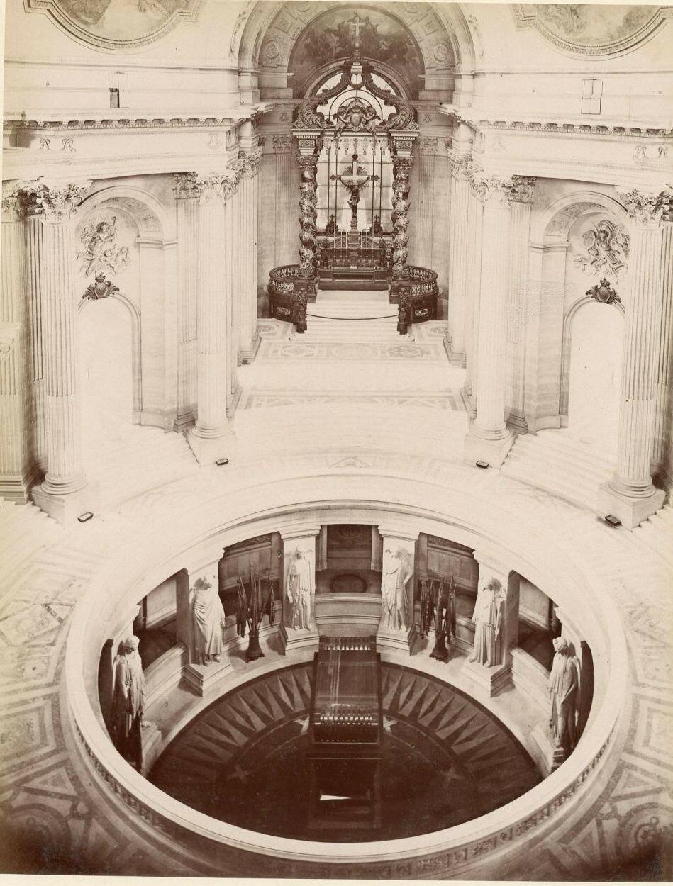 Дом инвалидов. Могила Наполеона