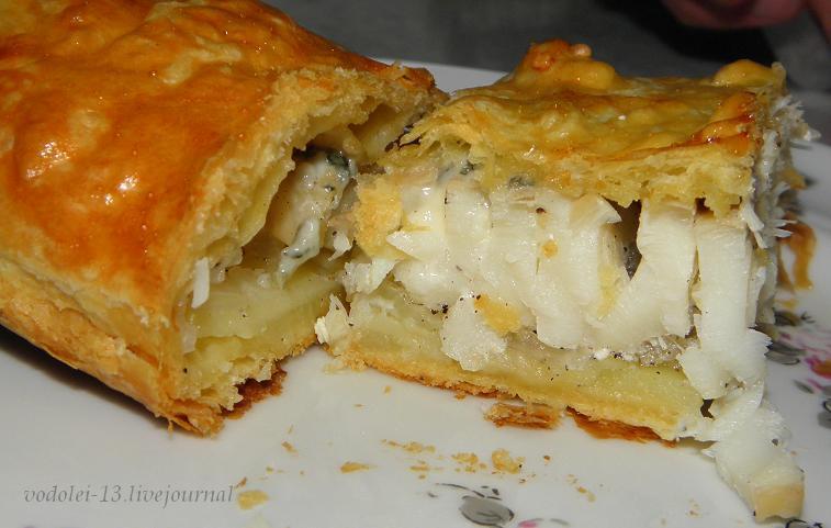 пирог с филе трески, картошкой и луком