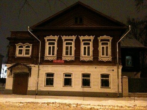 На улице Шагова