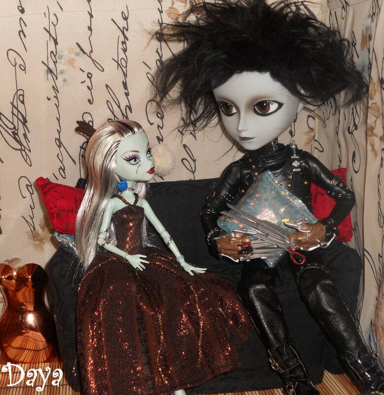Фото наших Monster High - Страница 2 0_73625_95570ca8_XL