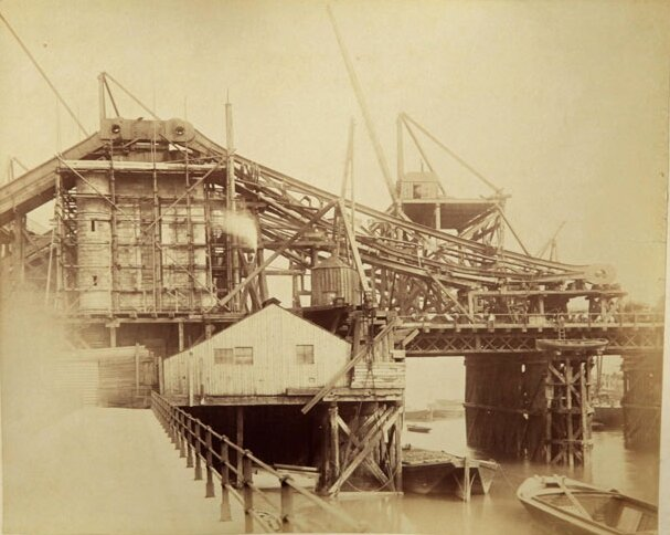Строительство Тауэрского моста в фотографиях