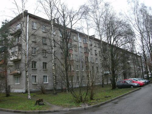ул. Бутлерова 18