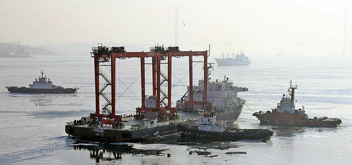 Портовые краны во Владивостоке