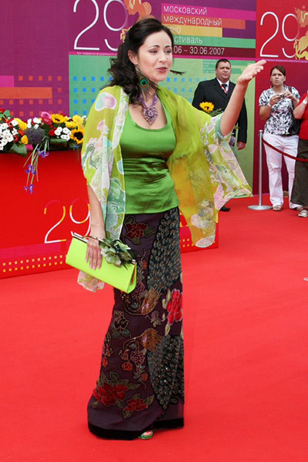 Любовь Тихомирова. Звездная дорожка церемонии закрытия ММКФ-2007