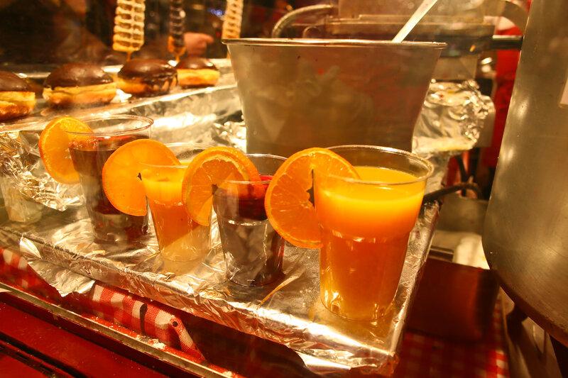 Глинтвейн и горячий апельсиновый сок