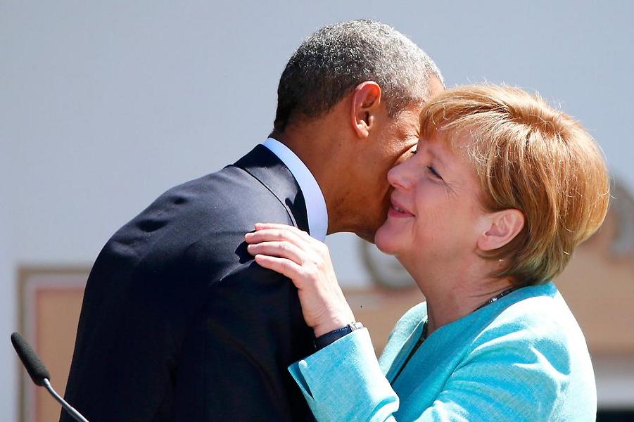 Обама и Меркель на саммите G-7 в Эльмау.png